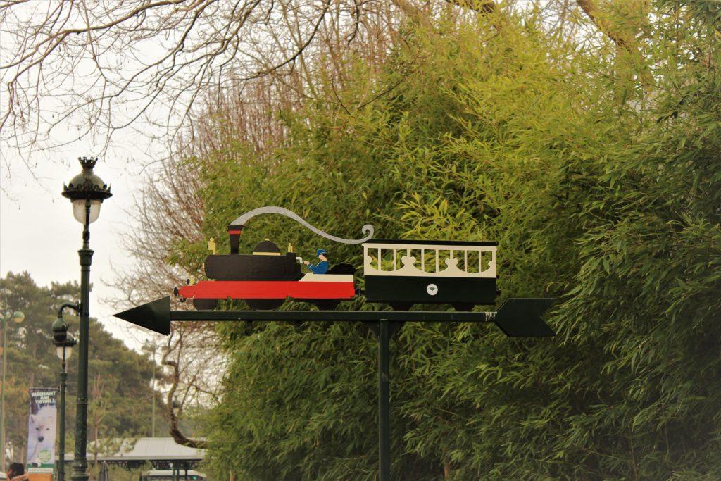 la stazione del trenino al Jardin d'Acclimatation