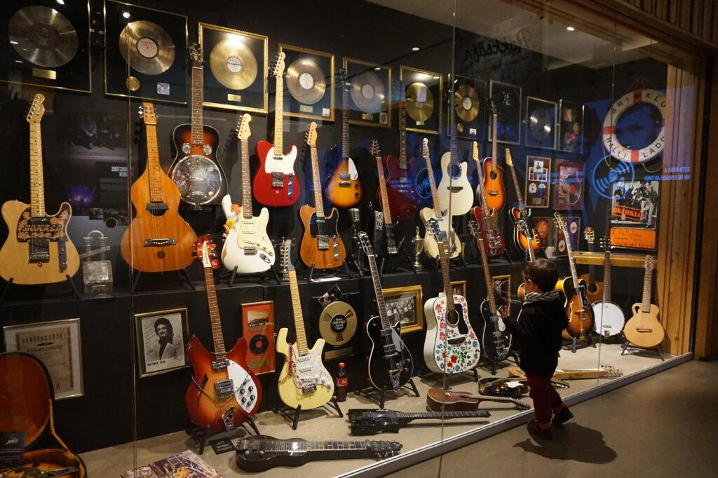 la penisola di Keflavik il museo del rock'n'roll islandese