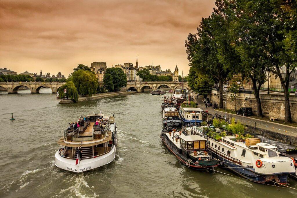 La senna san valentino a Parigi