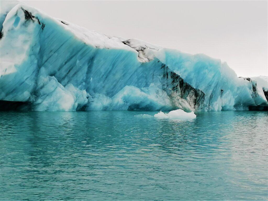 La vista sugli icebergs dello Jökulsárlón