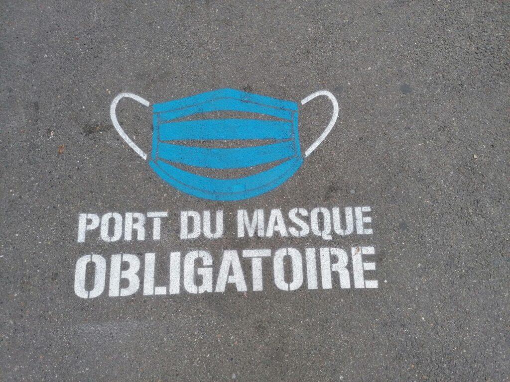 senza_mascherina_visitare_francia_2021